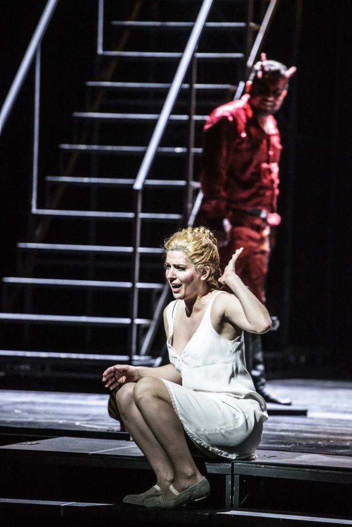 Theater Erfurt, Saison 2014/2015Charles Gounod: FaustRegie: Benjamin PrinsIlia Papandreou: Marguerite Foto: © Lutz Edelhoff